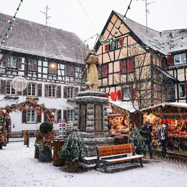 Alsace Alsas diye okunuyor aslnda Fransann 26 blgesinden biri Buhellip